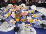 mesa de café da manhã para os convidados